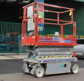 SkyJack SJIII3219 7.9m Electric Scissor Lift
