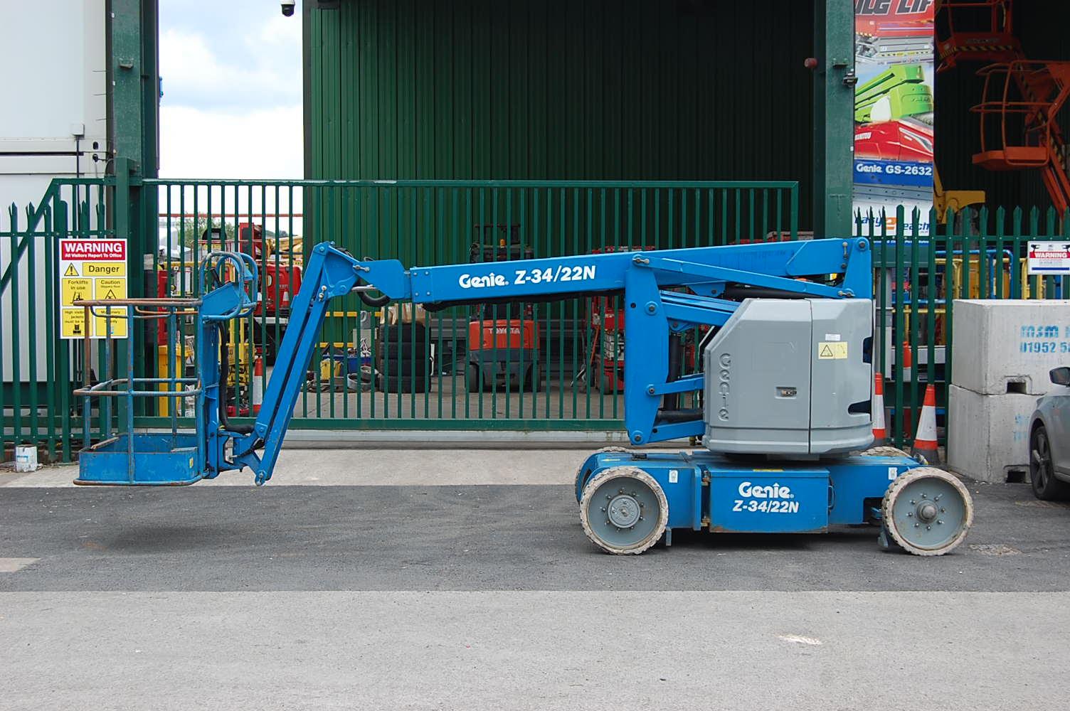 Genie Z34/22N Electric Boom Lift 12.5m