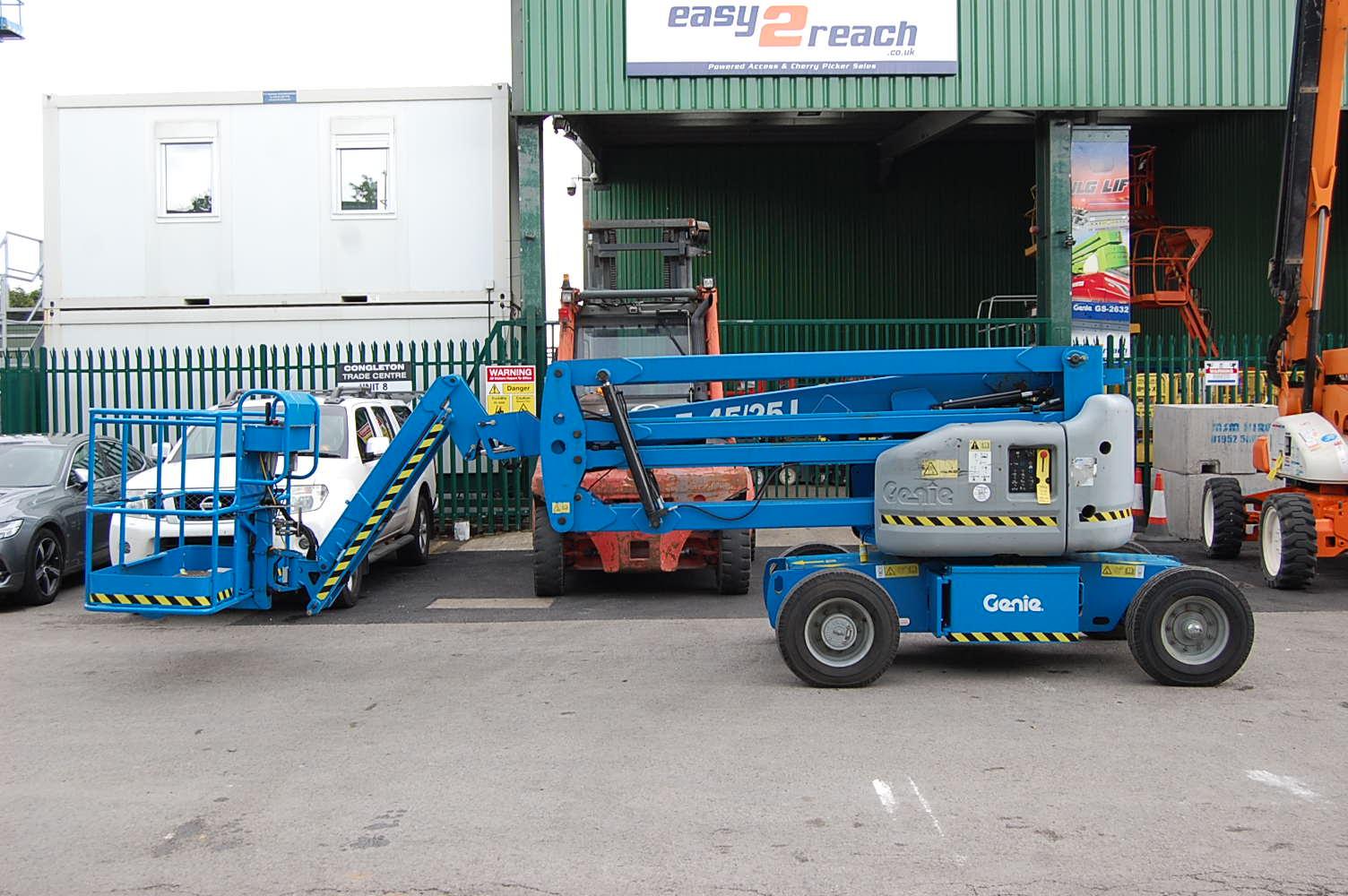 Genie Z45/25J Bi-Energy Boom Lift