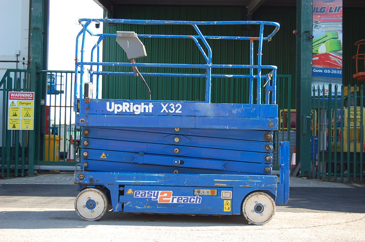 Upright X32 12m Electric Scissor Lift