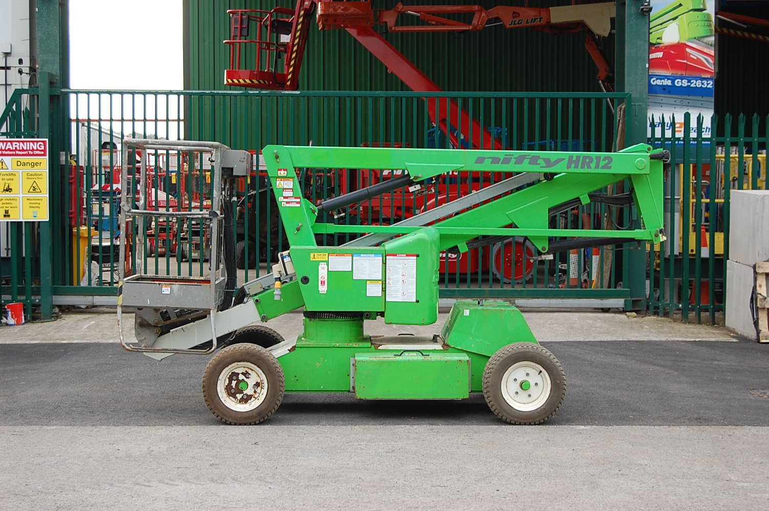 Niftylift HR12 NDE 2×4 Bi Energy Boom Lift