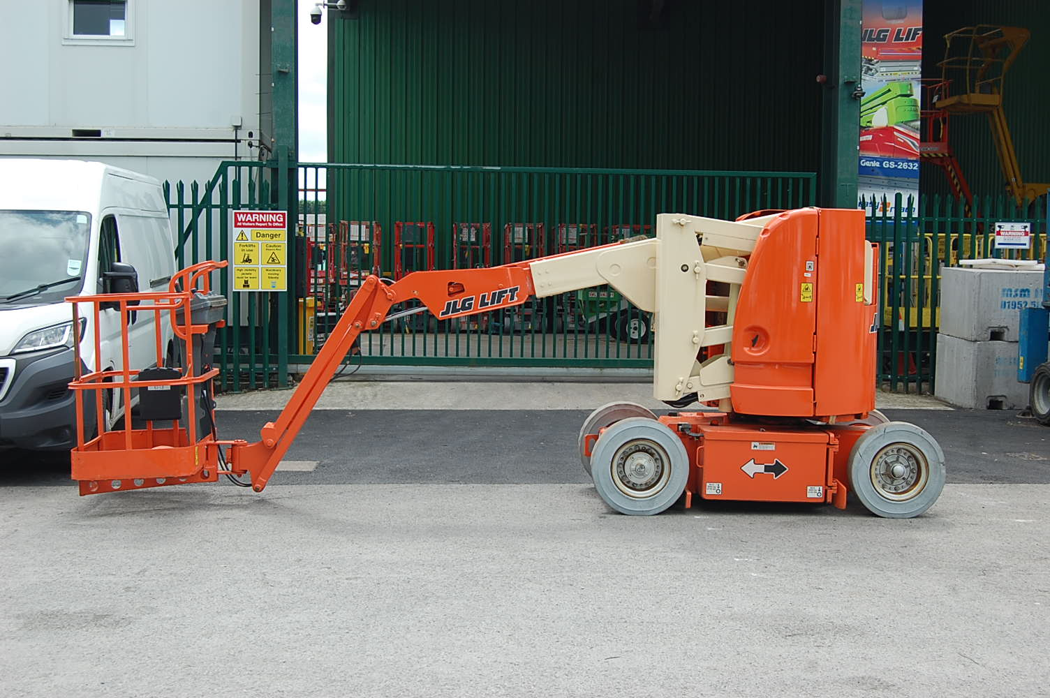JLG E300AJ 11m Electric Boom Lift