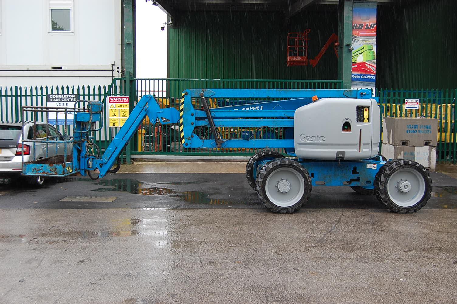 Genie Z45/25J Diesel 16m Boom Lift