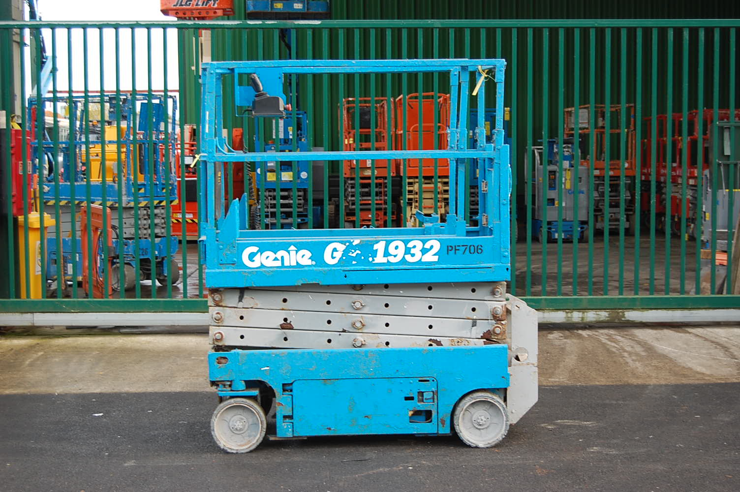 Genie 1932 Electric Scissor Lift