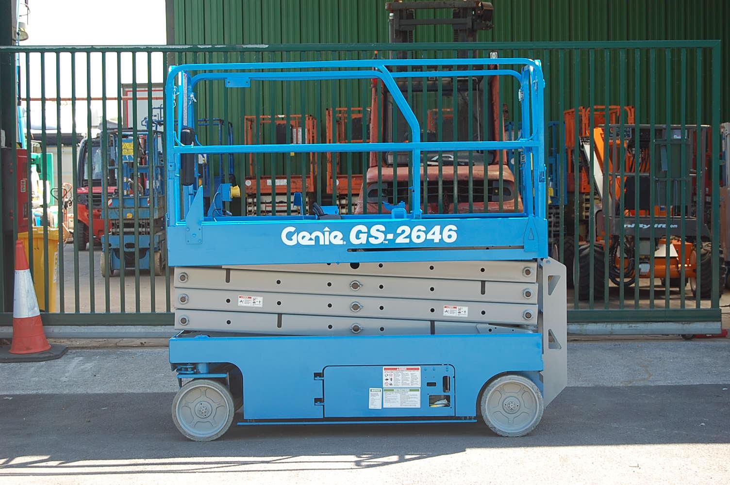 2007 Genie 2646 Scissor Lift 10m