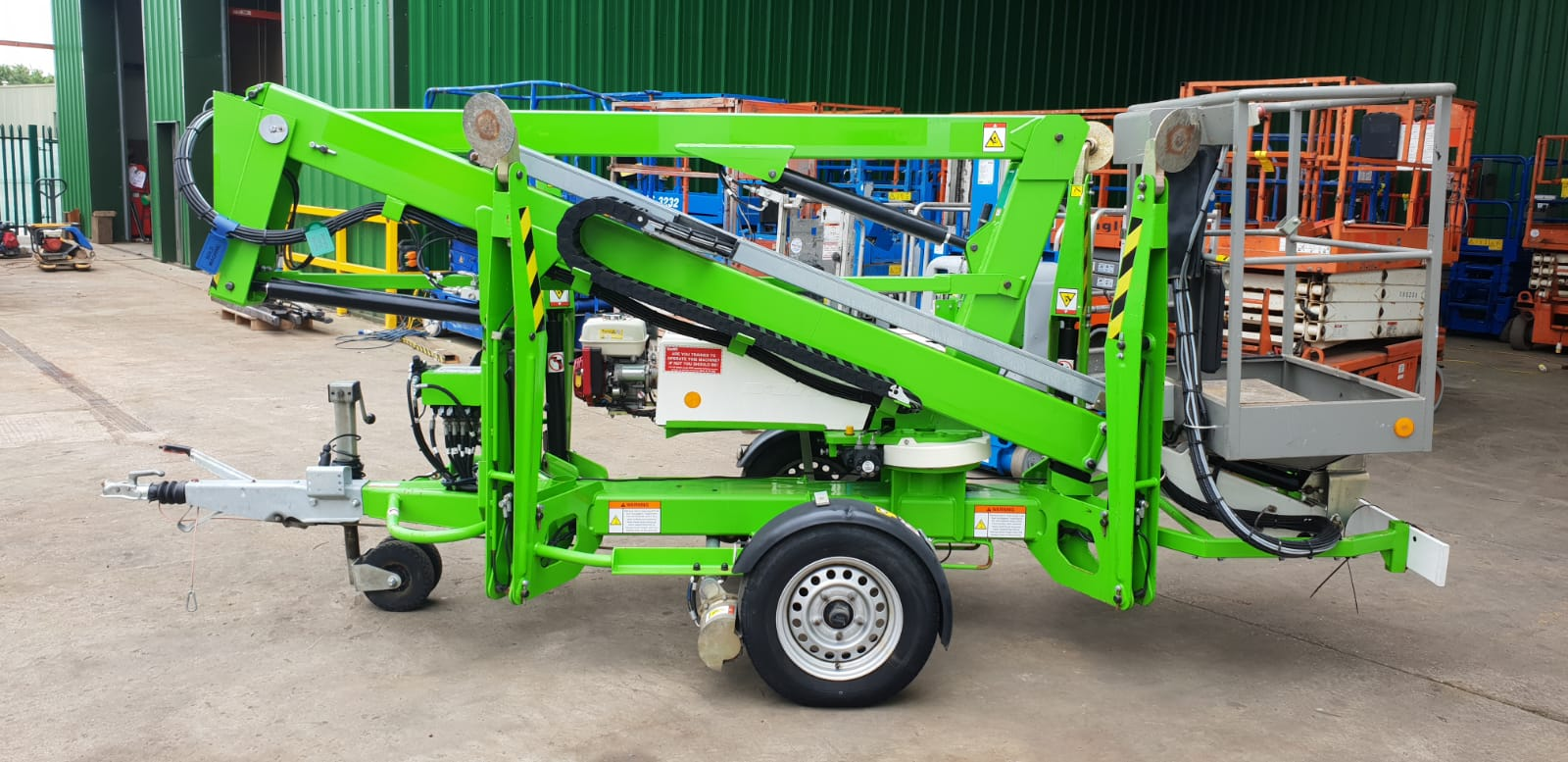2016 Niftylift N120T Trailermount Boom Lift with Traction Drive