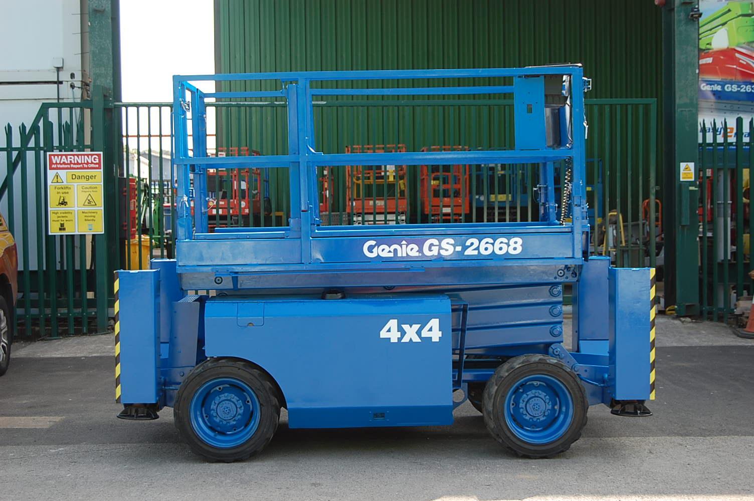 2007 Genie 2668 Rough Terrain Diesel Scissor Lift 10m