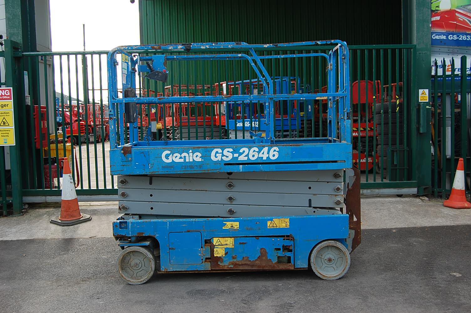 2010 Genie 2646 Electric Scissor Lift 10m