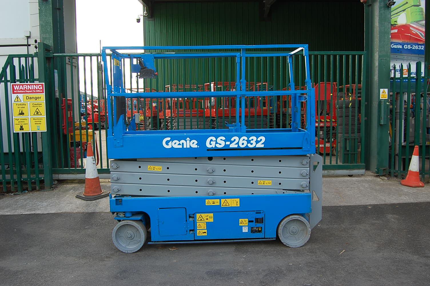 2009 Genie 2632 Electric Scissor Lift 10m