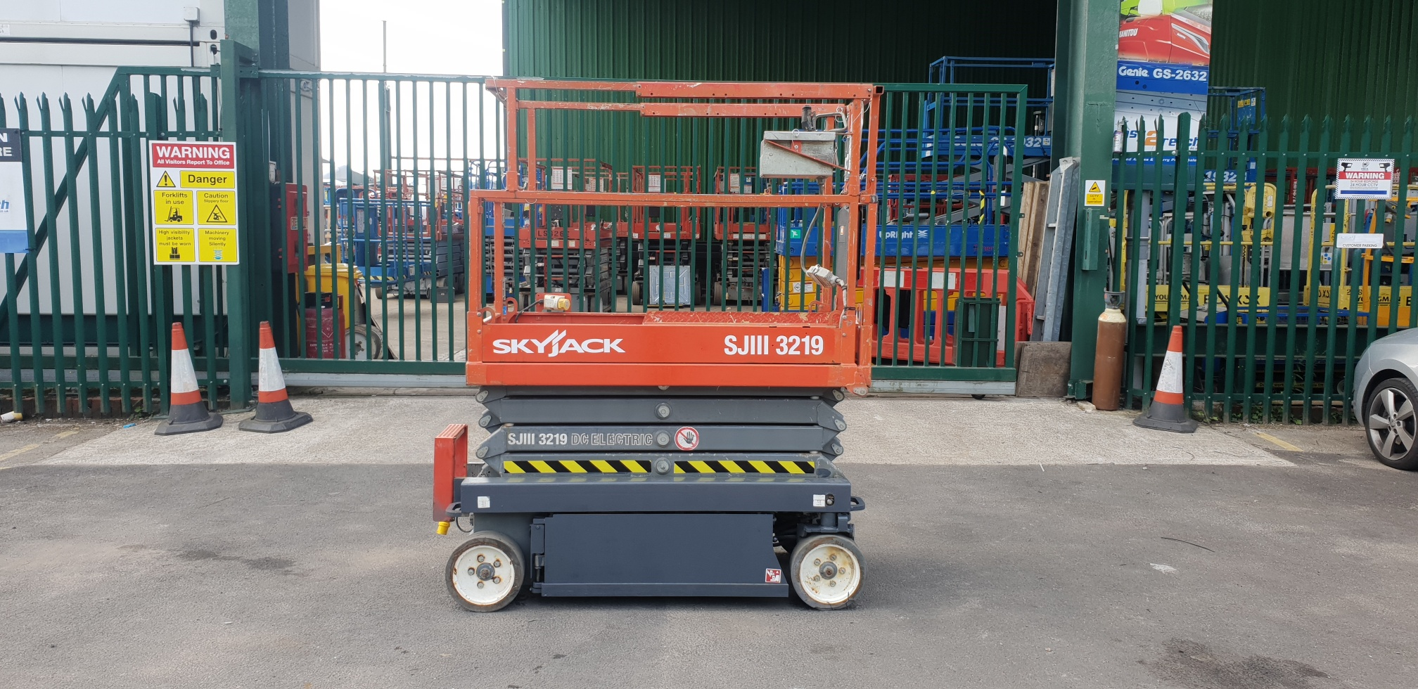 2013 Skyjack 3219 Electric Scissor Lift 7.8m