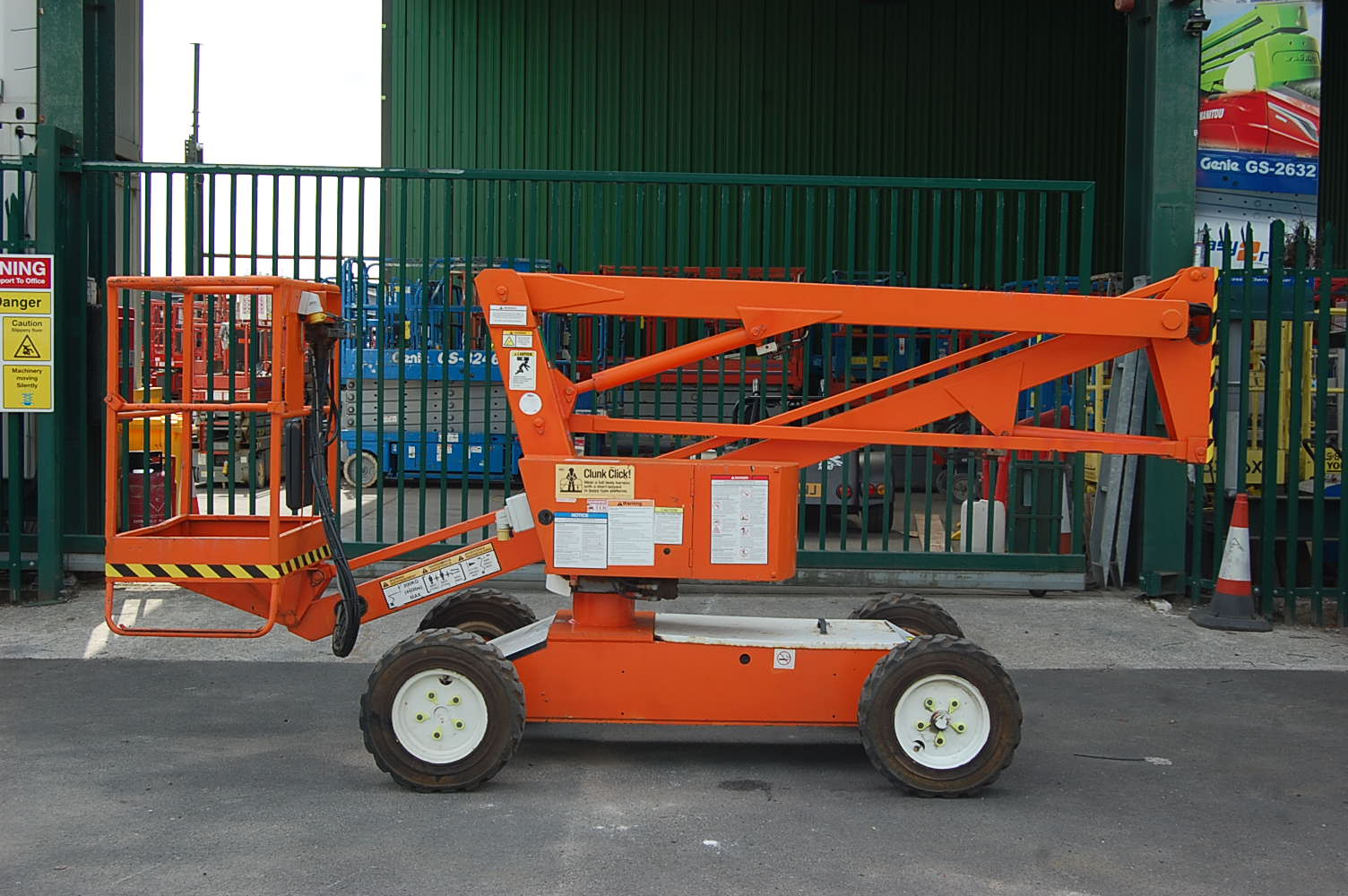 2005 Niftylift HR10 Electric Boom Lift 10m