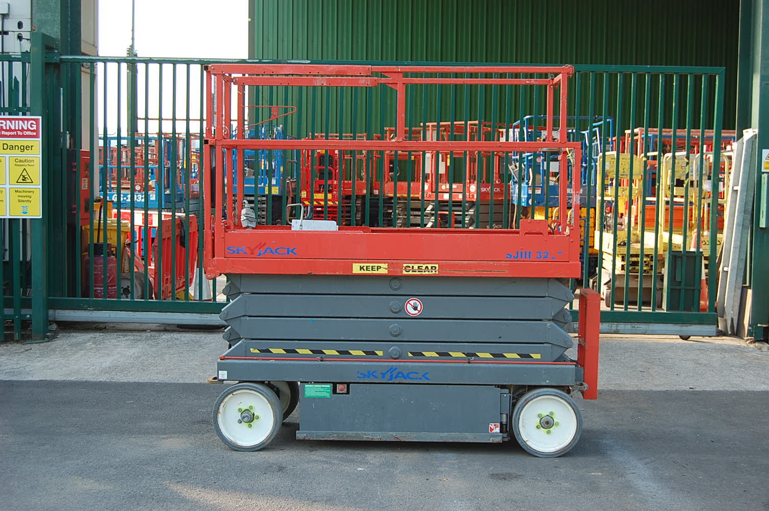 2012 Skyjack 3226 Electric Scissor Lift 9.9m